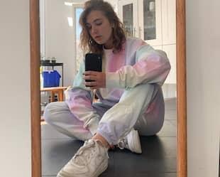 Image principale de l'article Où se procurer des «matching sweats» en tie-dye