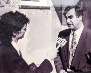Peu de temps avant la campagne référendaire de 1995, avec le chef du Bloc québécois et député fédéral de Lac-Saint-Jean, Lucien Bouchard