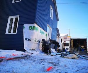 Le 7 décembre dernier, Émerick Beaulieu, qui était au volant de son véhicule, a percuté cette résidence en bordure de la route 285.