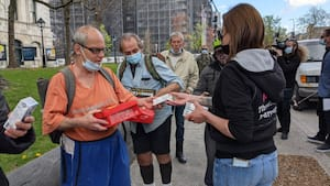 Image principale de l'article Un pique-nique devant l'hôtel de ville