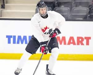 Shane Wright n'a pas l'intention de s'en laisser imposer au camp d'Équipe Canada junior.