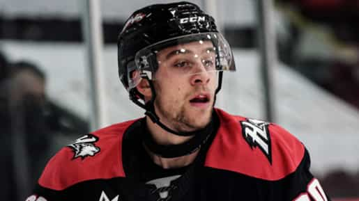 Xavier Bouchard donne la victoire aux Huskies
