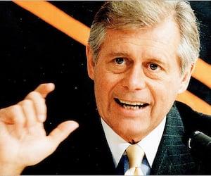 John Ziegler a été président de la LNH de 1977 à 1992.
