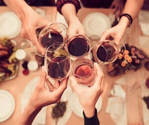 bloc vin wine Toasting