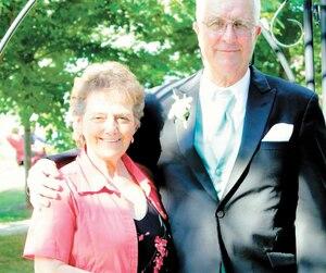 MmeSéguin Lortie en compagnie de son mari, John Jolie.