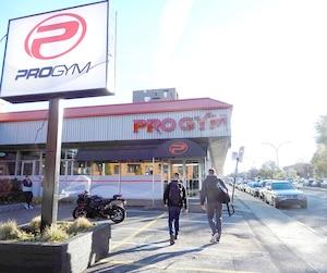 Éric Salvail se serait entraîné au ProGym du boulevard Hochelaga jusqu'en 2014.