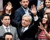 Le nouveau président mexicain Andres Manuel Lopez Obrador, au centre.