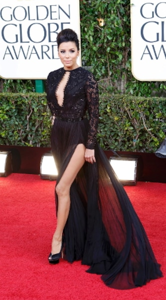 Après la jambe d'Angélina, la jambe d'Eva Longoria.
