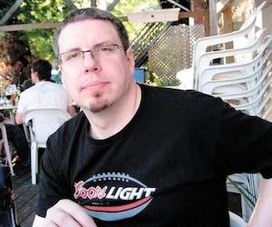 Robert Gosselin a publié ses commentaires avec cette photo de profil Facebook.