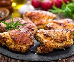 Hauts de cuisse de poulet style Jerk au BBQ