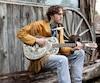 Dylan Perron et son groupe Élixir de Gumbo connaissent bien la scène musicale québécoise, et canadienne, pour l'avoir arpentée depuis quelques années.