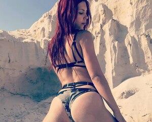 Une danseuse sexy russe se plaint sur Instagram