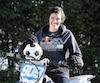 Monica Boudreau célébrera sa première fête des Mères post-cancer. C'est la première fois, dit-elle, qu'elle peut enfin parler de son passé avec le sourire aux lèvres. La sportive défendra les couleurs du Canada au sein de l'équipe féminine de soccer lors desJeux mondiaux militaires de 2019.