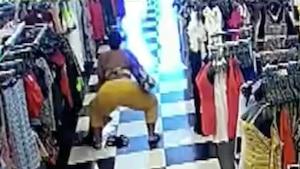 Elle «twerk» pendant qu'elle vole des vêtements