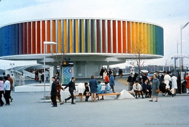 Une photo modifiée du pavillon de l'URSS est identifiée comme le Kaléidoscope vu ici dans cette image d'archive de l'Expo 67.