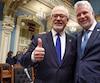 Le ministre des Finances, Carlos Leitao et le premier ministre Philippe Couillard.