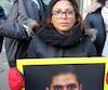 Lors d'un rassemblement hier à Montréal, la conjointe de Raif Badawi, Ensaf Haidar, a imploré le gouvernement canadien de libérer son mari. Sans nouvelle de lui depuis deux semaines, Mme est très inquiète. Condamné en novembre à 10 ans de prison en Arabie saoudite, M. Badawi a reçu 50 coups de fouet vendredi dernier.