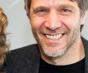 Dans une lettre ouverte, le scénariste Bernard Dansereau a brisé le silence sur l'agression sexuelle dont il a été victime de la part du cinéaste Claude Jutra pendant son adolescence.