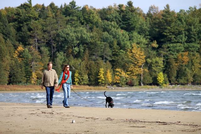 Les plages peu fréquentées du Point Au Roche State Park sont parfaites pour les promenades bucoliques.