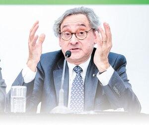 Le premier ministre Philippe Couillard et le patron de la Caisse de dépôt, Michael Sabia, ont tenu une conférence de presse ensemble hier pour faire connaître la décision.