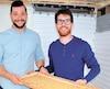 Maxime Dionne, entrepreneur, et Antoine St-Pierre, chimiste, tous deux âgés de 25ans, montrent une mince partie de leur élevage de grillons, qui se comptent par millions à Saint-Pascal, dans le Bas-Saint-Laurent.