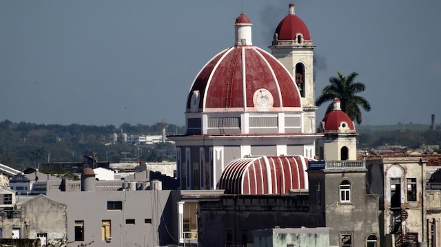 Vue lors de l'arrivée à Cienfuegos, à bord du Louis Cristal.