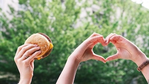 McDo offre des cheeseburgers GRATUITS