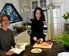 Afin d'offrir des repas variés et appétissants à son fils Christophe, allergique à 13 aliments, Marie-Josée Bettez a depuis longtemps transformé sa cuisine en un véritable laboratoire.