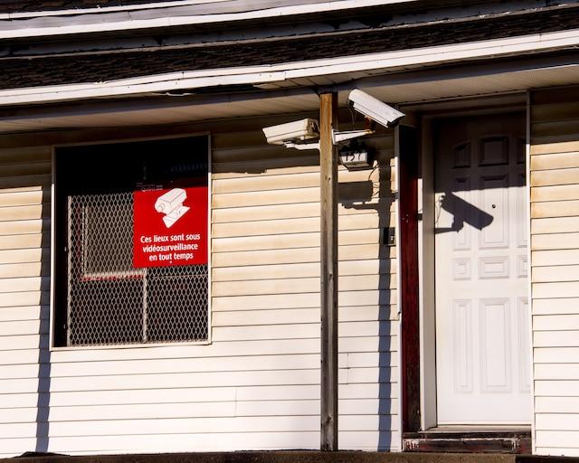 Érigée en 1981, la forteresse du 153, rue Prince, a été rasée par un incendie criminel, à l'automne 2008. Si le gouvernement lui cède les 2500 mètres carrés de terrain où sont situés le bunker et d'autres anciennes propriétés des Hells Angels, la Ville de Sorel-Tracy entend donner une vocation «municipale et communautaire» à ce quadrilatère.