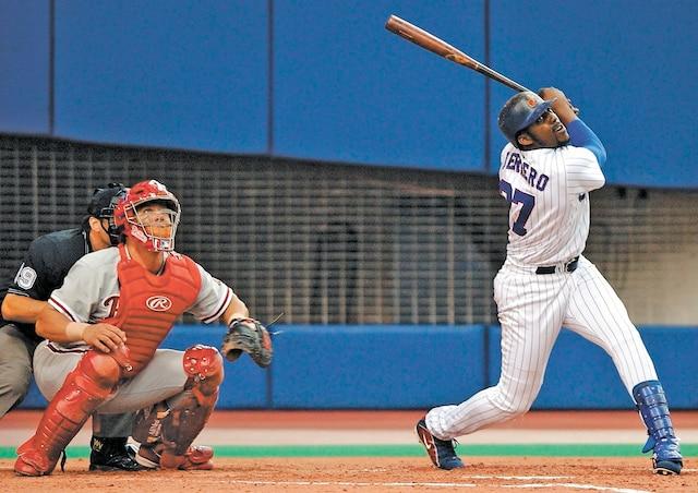 Outre l'uniforme des Expos, Vladimir Guerrero a porté ceux des Angels de Los Angeles, des Orioles de Baltimore et des Rangers du Texas dans les Ligues majeures.