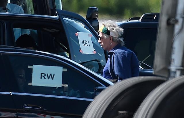 Les Rolling Stones sont arrivés à Québec. Leur avion privé d'Air Canada a atterri à l'aéroport de Québec un peu avant 16h mercredi