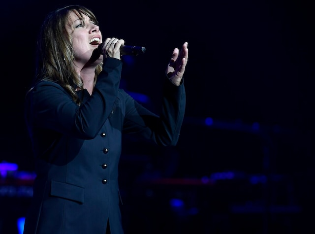 Grande vedette de l'édition 2019 de La Voix, Geneviève Jodoin a eu l'honneur de livrer le premier numéro en solo en plus de chanter Pendant que, de Gilles Vigneault, au rappel.