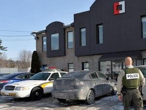 Hier, l'UPAC a visité les bureaux des Entreprises Guy Desjardins inc., situés à Saint-Jérôme.