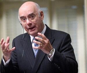 Le ministre Jacques Daoust persiste à dire qu'il n'en savait rien.