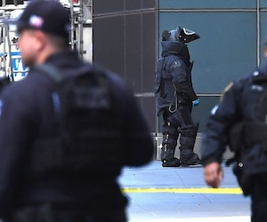 Time Warner Center Evacuated In New York after reported suspicious package