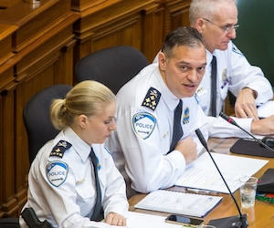Simonetta Barth, Assistant-directeur au SPVM, Philippe Pichet, directeur SPVM et Didier Deramond, Directeur Adjoint.