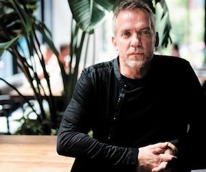 Jean-Marc Vallée passera les trois prochaines semaines à Montréal pour compléter la postproduction de <i>Sharp Objects</i>, sa deuxième série en deux ans. Il s'accordera ensuite une pause de six mois pour faire le plein d'énergie.