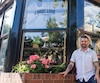 À partir de cette semaine, le restaurant L'Gros Luxe de la rue Duluth pourra servir de l'alcool malgré l'opposition d'un citoyen et de la conseillère d'arrondissement du Plateau-Mont-Royal, Christine Gosselin. Le propriétaire du restaurant, Alexandre Bastide (photo) vient d'obtenir son permis.