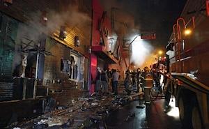 La plupart des victimes sont mortes asphyxiées dans l'incendie de cette discothèque du centre de Santa Maria.