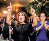La vice-chef du Parti québécois, Véronique Hivon, a suivi avec attention la soirée électorale, au terme de laquelle elle a remporté les grands honneurs dans la circonscription de Joliette, dans Lanaudière.