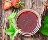 La confiture de fraises classique et de bon goût