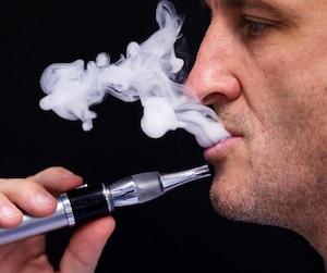 Cigarette électronique vapotage