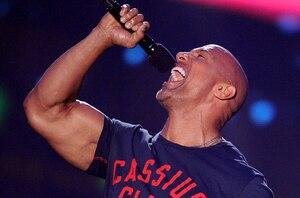 The Rock reprend Shake It Off de Taylor Swift