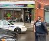Une opération policière est en cours à la boutique Weeds Québec.