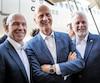 Alain Bellemare, PDG de Bombardier, Thomas Enders, PDG d'Airbus, et le premier ministre Couillard, lors de l'annoncé de l'entente sur la C Series, le 27 octobre 2017.