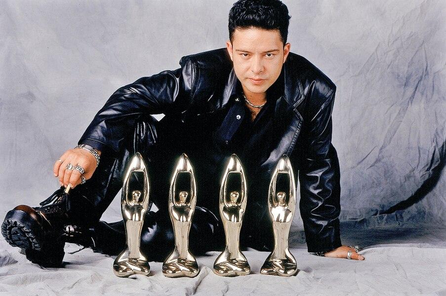 En 2000, Éric rafle pas moins de quatre statuettes au Gala de l'ADISQ.