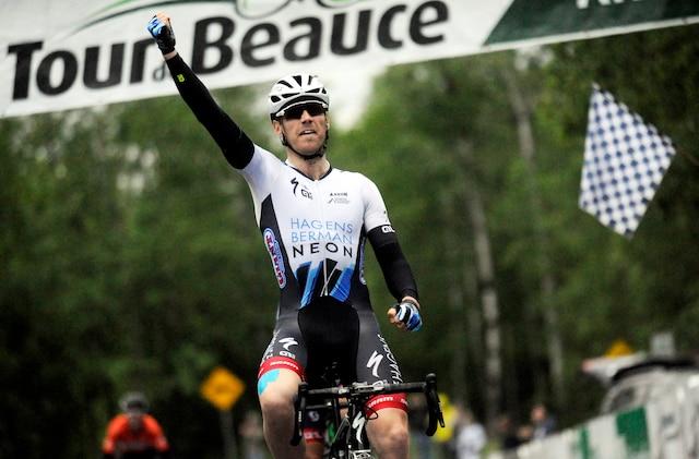 Christopher Lawless (1er) lors de la deuxième course de la journée au Tour de Beauce 2017.