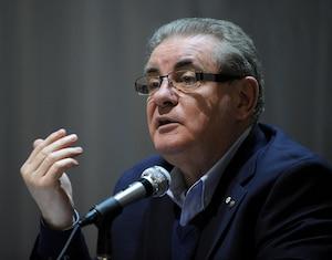 Jacques Duchesneau présentait une conférence sur la collusion et la corruption aux citoyens de Sainte-Brigitte-de-Laval.