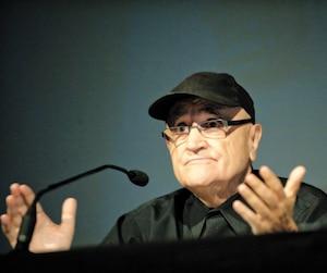 Serge Losique, photographié ici lors d'une conférence de presse en 2010, a fondé et dirige toujours le Festival des films du monde.