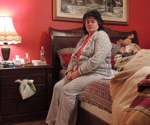 Denise Thériault et l'homme qui l'héberge ont chacun leur chambre. Ce dernier préfère conserver son anonymat, mais a accepté que Le Journal publie ces photos pour prouver qu'ils font chambre à part.